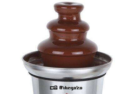 Tu propia fuente de chocolate por 15,68 euros: la Orbegozo FCH 4000 de tres pisos a la venta en Amazon