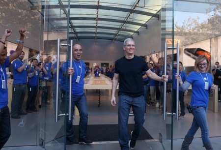 Tim Cook Abriendo Apple Store Aps