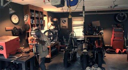 Classified Moto, lámparas reciclando partes de moto