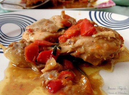 Pollo con pimientos y salsa de anchoas