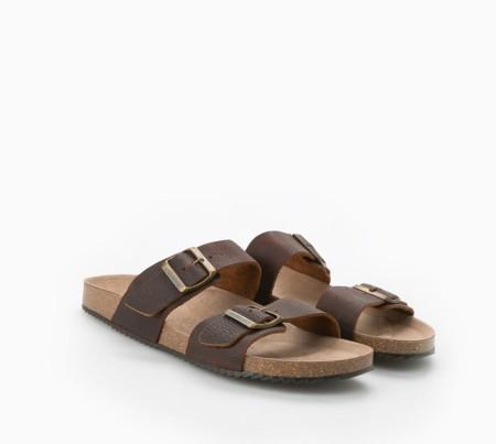 Sandalias con hebillas