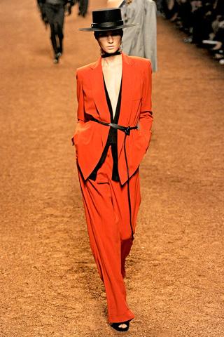 Foto de Tendencias Primavera 2011: el dominio del rojo en la ropa (19/28)