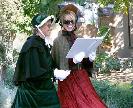 Brtiney Spears y Ellen DeGeneres cantan villancicos