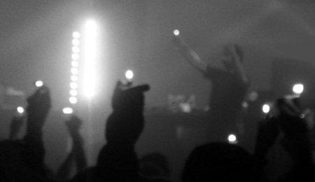 ¿Qué efecto medioambiental tienen que se enciendan mecheros en los conciertos?