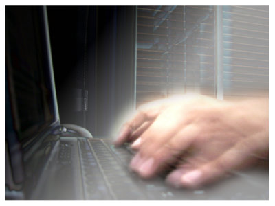 ¿Quieres saber cómo podría infectarte de spyware el gobierno? Este vídeo da algunas pistas