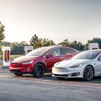 Hay quien hackea su Tesla para desbloquear funciones extra: Tesla ha empezado a avisarles de la modificación no autorizada