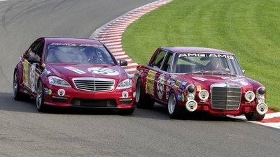 "El nieto conoce al abuelo: Mercedes S 63 AMG ""Thirty-Five"" vs Mercedes 300 SEL 6.8 AMG"