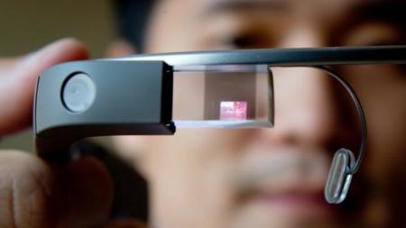 Google Glass: donde van, crean controversia. Los cines de Reino Unido no las quieren