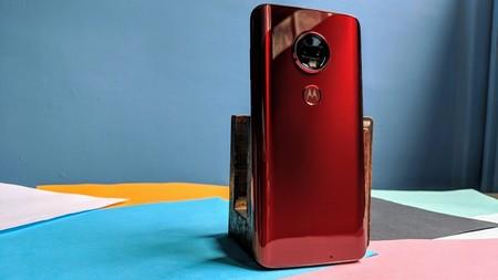 Esta es la lista completa de smartphones Motorola que recibirán la actualización a Android 10 en México