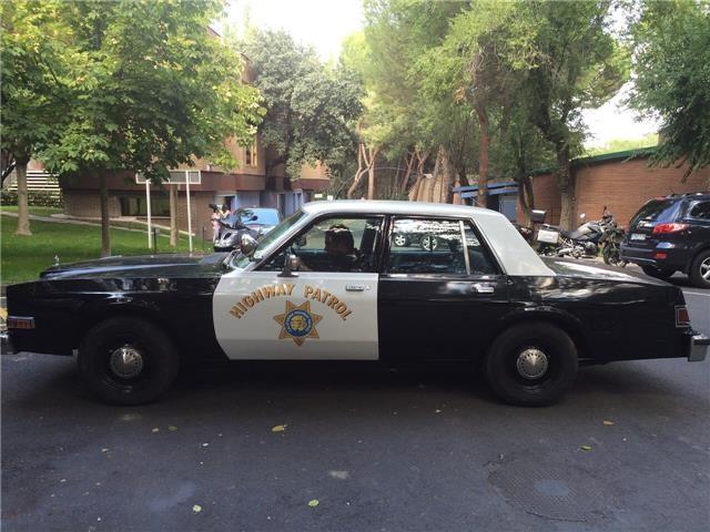 Dodge Diplomat coche policía lateral