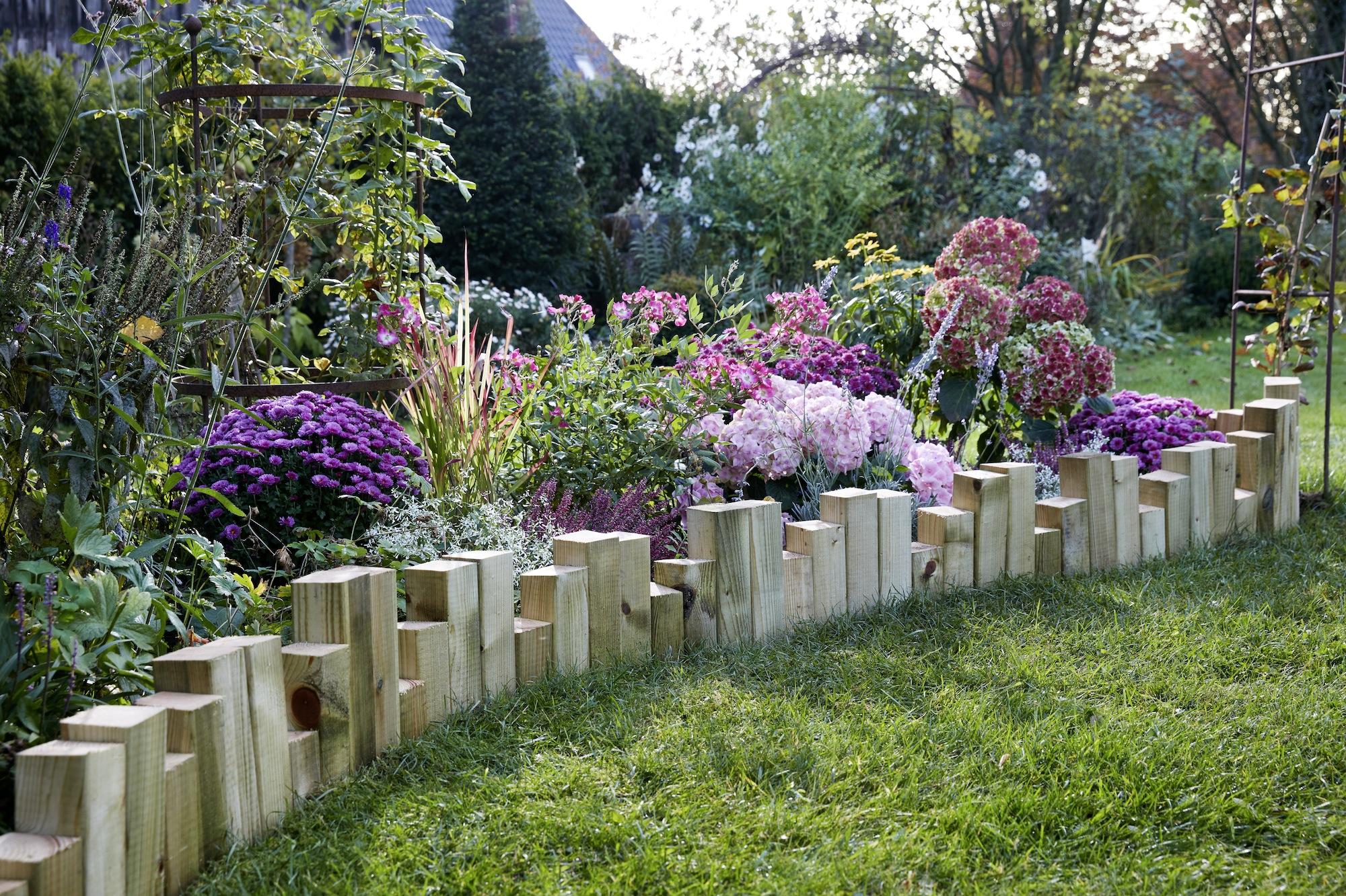 Hazlo t mismo un arriate de madera en t jard n paso a paso - Maderas para jardin ...