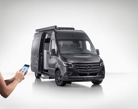 Mercedes Sprinter Connected Home, una casa inteligente sobre ruedas para los geeks aventureros