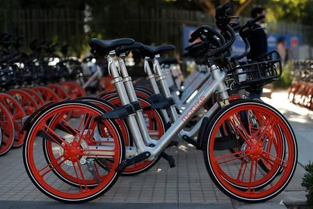 No todo es felicidad con Mobike y VBike: vecinos en Ciudad de México se quejan de que bicis compartidas están inundando las calles
