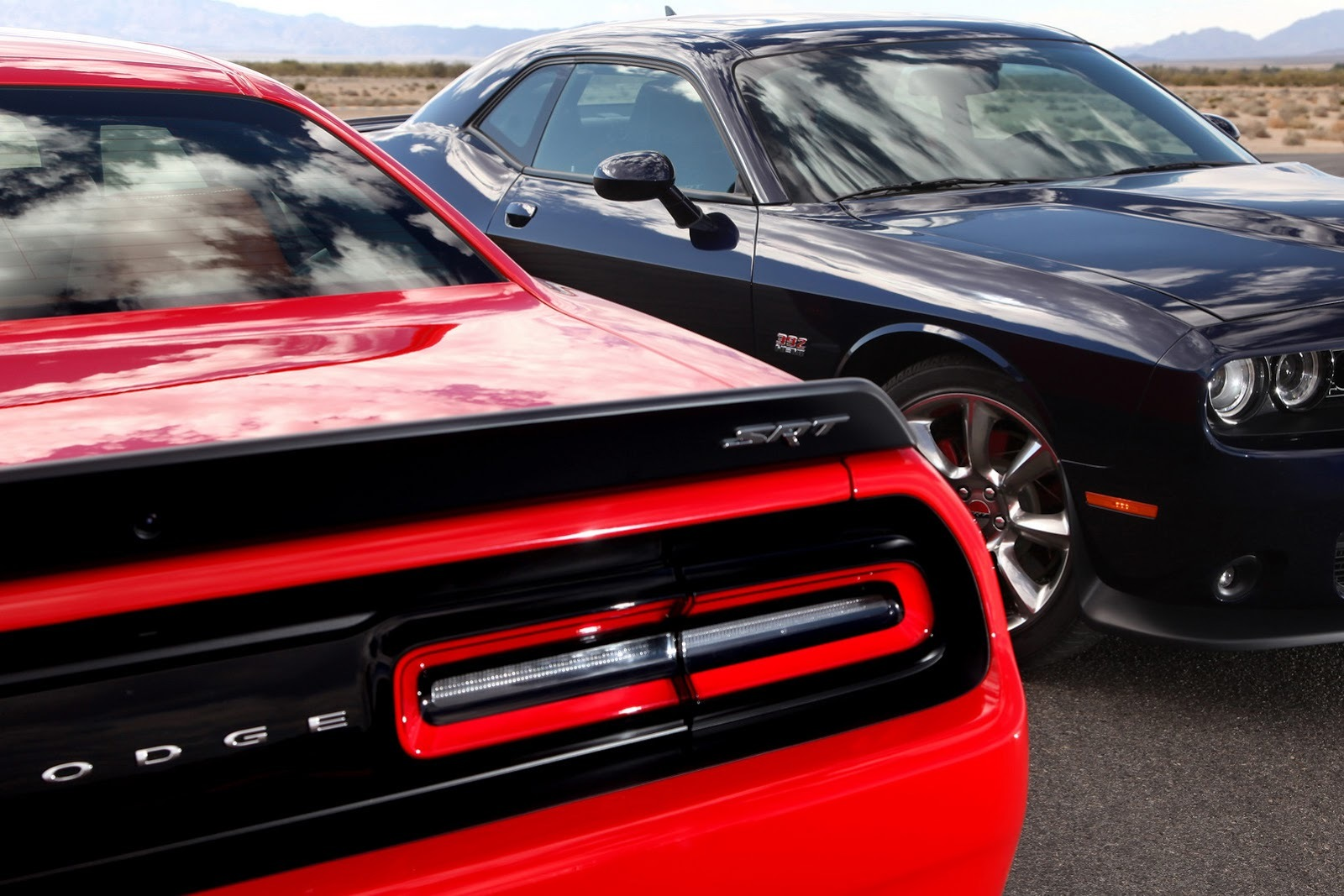 24 fotos más de Dodge Challenger SRT Hellcat