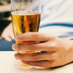 ¿Bebes una clara fría cada tarde de verano? Esto es lo que debes saber