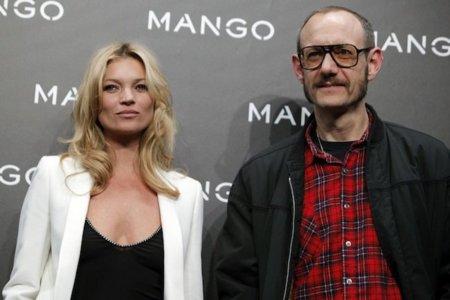 Kate Moss y Terry Richardson en el desfile de Mango eclipsando a Nati Abascal
