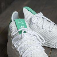 Estos 3 pares de zapatillas Adidas en oferta serán tus favoritas esta primavera y combinan con todo
