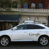El coche autónomo de Google tuvo un nuevo accidente y por primera vez ha sido su culpa