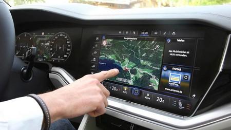 ¿La pantalla táctil es el peor invento en los autos?
