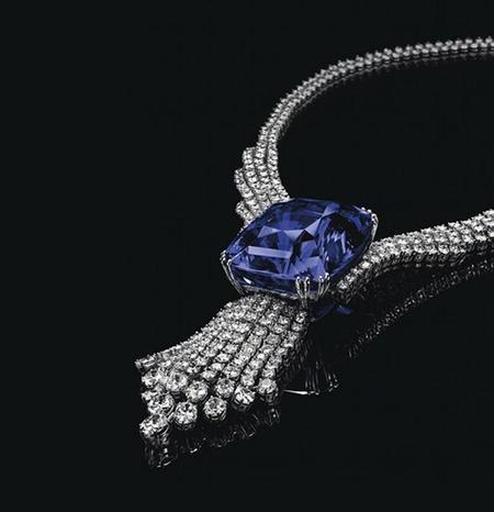 En la subasta Magnificent Jewels, Christie's obtiene una cifra record por la venta de un zafiro