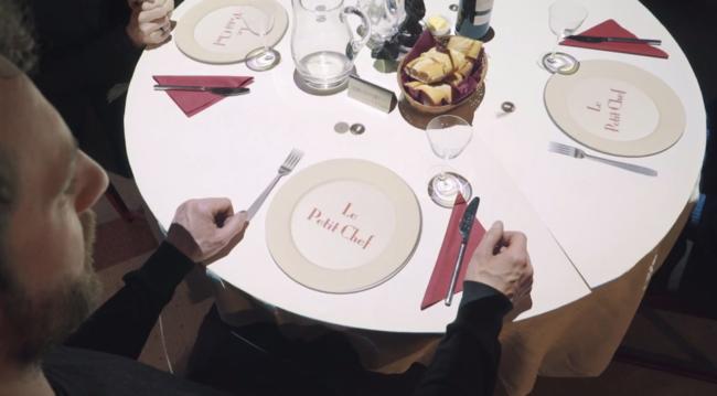 Veamos un Restaurante con el Chef más pequeño del mundo ...