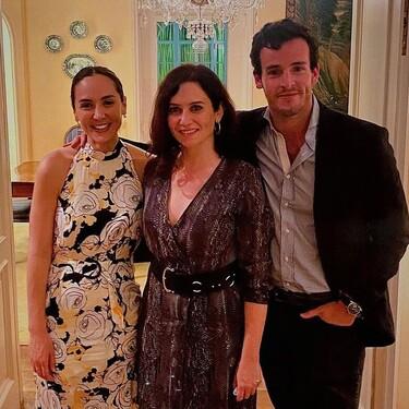 Isabel Díaz Ayuso, la celestina que ha vuelto a reunir públicamente a Íñigo Onieva y Tamara Falcó tras su crisis de pareja