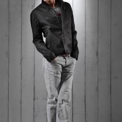 Foto 19 de 23 de la galería lookbook-primaveral-love-moschino-men-primavera-verano-2011 en Trendencias Hombre