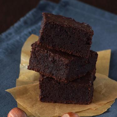 El brownie más jugoso se hace sin harina: receta sin gluten