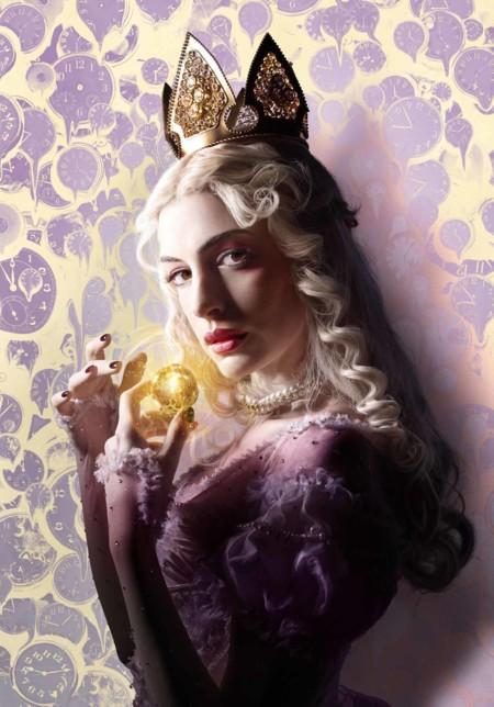 Alicia A Traves Del Espejo Posters Anne Hathaway