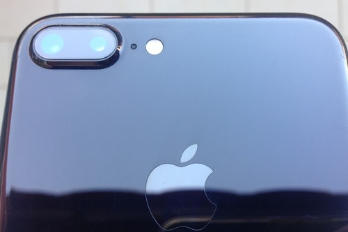 365 días con el iPhone 7 Plus jet black