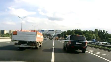 Si presencias el choque de un camión cargado de butano... apaga la cámara y aléjate
