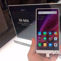 Xiaomi va a Las Vegas con un Mi Mix en blanco que seguirá sin salir de China