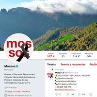 Las cuentas de @mossos y @policia, un ejemplo un día de atentado: Información rápida, práctica, sin alarmismos, en varios idiomas