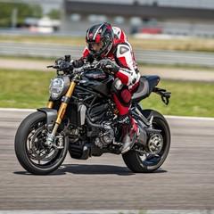 Foto 36 de 68 de la galería ducati-monster-1200-s-2020-color-negro en Motorpasion Moto