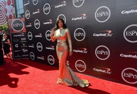 Duelo de lentejuelas: Cuando Kylie Jenner coincidió con una blogger en un outfit
