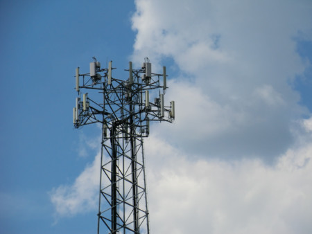 El último estudio de calidad de cobertura de RootMetrics en España arroja un empate técnico a tres