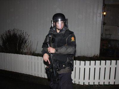 ¿Cuánto tarda la policía de cada país en disparar dos balas? En Noruega, un año entero. En Estados Unidos no llega a un día