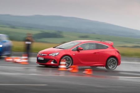 Opel Astra OPC, presentación y prueba en Pferdsfeld