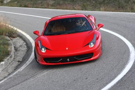 First World Problem: Quedarse atrapado en la cajuela de su Ferrari 458 Italia