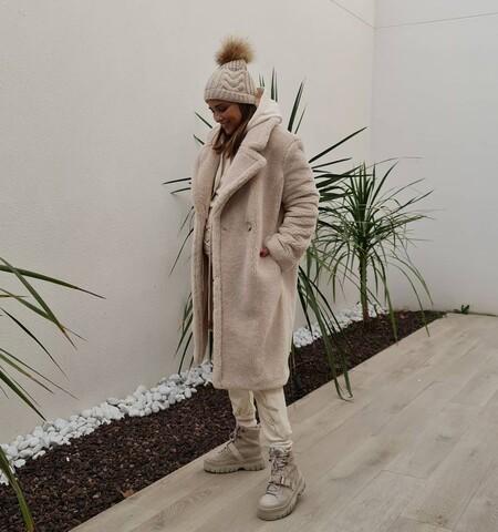 Paula Echevarría tiene un secreto: ese abrigo de borreguito que parece de lujo lo firma Primark y vale solo 40 euros