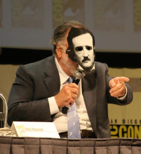 Coppola con una careta de Poe en la presentación de Twixt