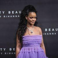 """Internet al completo está alucinando con el origen del nombre """"Fenty"""" para la colección de Rihanna"""