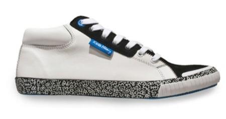 Tommy Hilfiger cuenta con Keith Haring para diseñar sus nuevas zapatillas, blancas