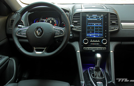 Renault Koleos interior 1