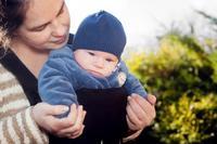 Porteo: no lleves a tu bebé mirando hacia fuera