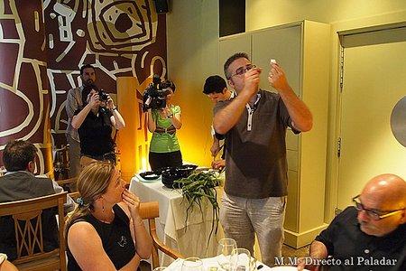 Daniel Molina guiando la cata sensorial de Cebolla Fuentes de Ebro