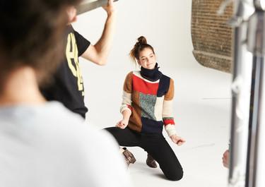 Bárbara Palvin nueva imagen de Amazon Moda (que está dispuesta a que saquemos la tarjeta y ficha a las más ideales)