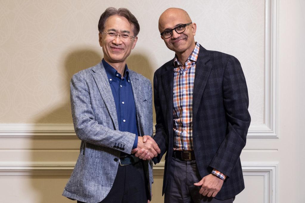 """Sony y Microsoft firman un convenio para afrontar retos en común ¿Tiene algo que mirar Stadia en <stro />Google</strong>® con este movimiento?"""">     </p> <p>Llamativos amigos de recorrido con los que nos topamos. ¿Sony y Microsoft firmando un convenio para aprovechar infraestructuras en beneficio mutuo? Hace unos años, quizás unos meses, <strong>podríamos pensar que algo así sólo sucedería en un mundo paralelo</strong> y sin embargo es una realidad palpable.</p> <p> <!-- BREAK 1(uno) --> </p> <p>Recordemos que <strong>^las desigualdades seguían en alza no hace mucho</strong>, cuando <a href="""
