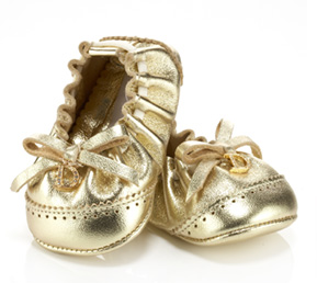 Bailarinas doradas de Dior para bebés