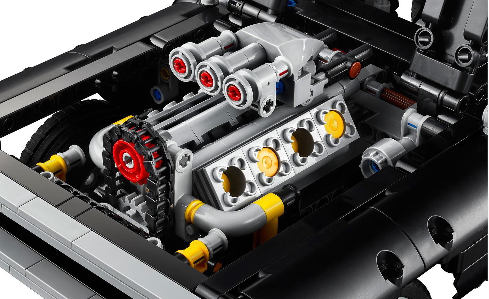 Foto de LEGO Technic Dom's Dodge Charger (7/18)